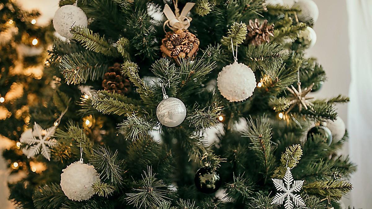 künstliche Weihnachtsbäume wie echt
