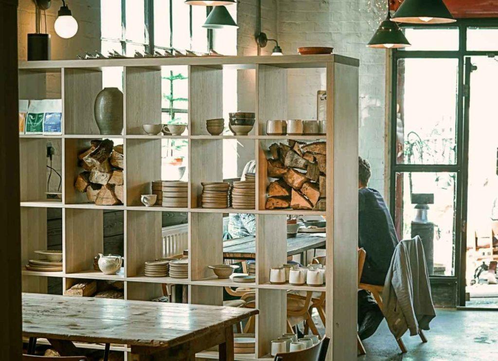 kleine Wohnung einrichten, Raumteiler kaufen, Einrichtungsideen